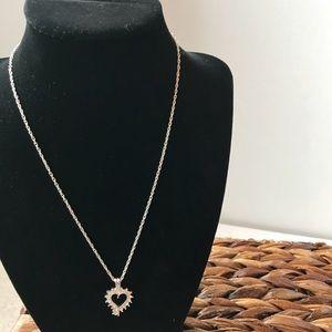Jewelry - 🎈SALE🎈 Heart Pendant Necklace NWOT